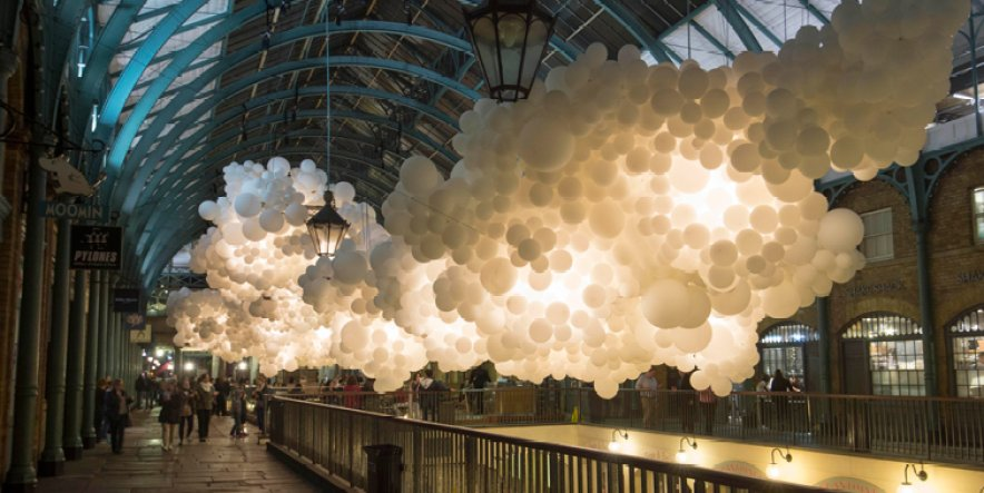 Covent Garden Market filled with 100,000 balloons